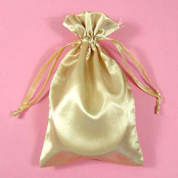 Small Satin Gift Bag Our factory is mainly manufacture the drawstring packaging bags , such as muslin cotton pouch, jute pouch, velvet pouch ,satin pouch etc. Any size and logo could be customized